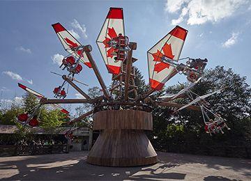 Vue sur les Ailes du Yukon au parc d'attraction Le PAL