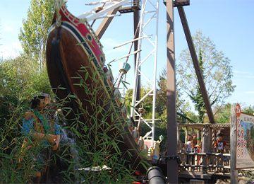 Le bateau pirate au parc de loisirs Le PAL en Auvergne-Rhône-Alpes