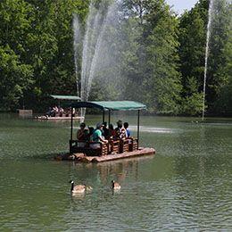 Le Lac des Chercheurs d'Or au parc de loisirs Le PAL en Auvergne-Rhône-Alpes